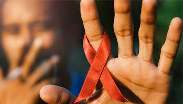 انتقال ایدز از دهان
