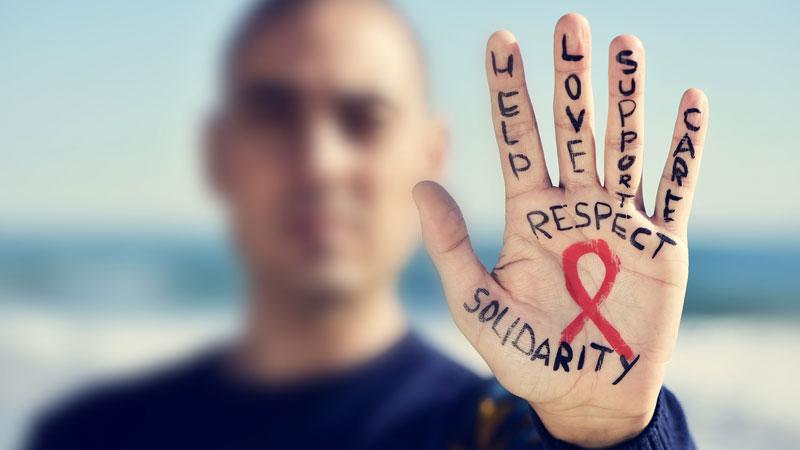 انتقال ایدز از مرد به مرد