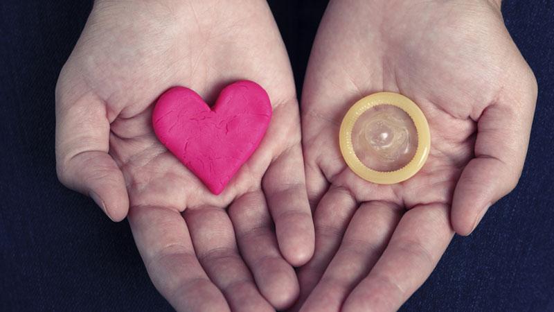 کاندوم راهی برای جلوگیری از انتقال بیماری های جنسی