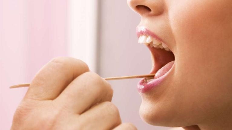 دلایل ایجاد زگیل دهانی